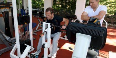 El primer ministro, Medvedev, intenta concentrarse en su entrenamiento. Foto:AFP