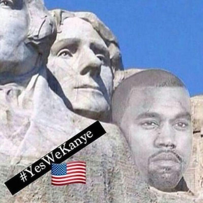 Y su figura en el Monte Rushmore, donde están esculpidos los rostros de George Washington, Thomas Jefferson, Theodore Roosevelt y Abraham Lincoln Foto:Instagram.com/explore/tags/kanyewest