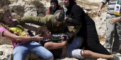 A su rescate acudieron las mujeres de su familia Foto:AP