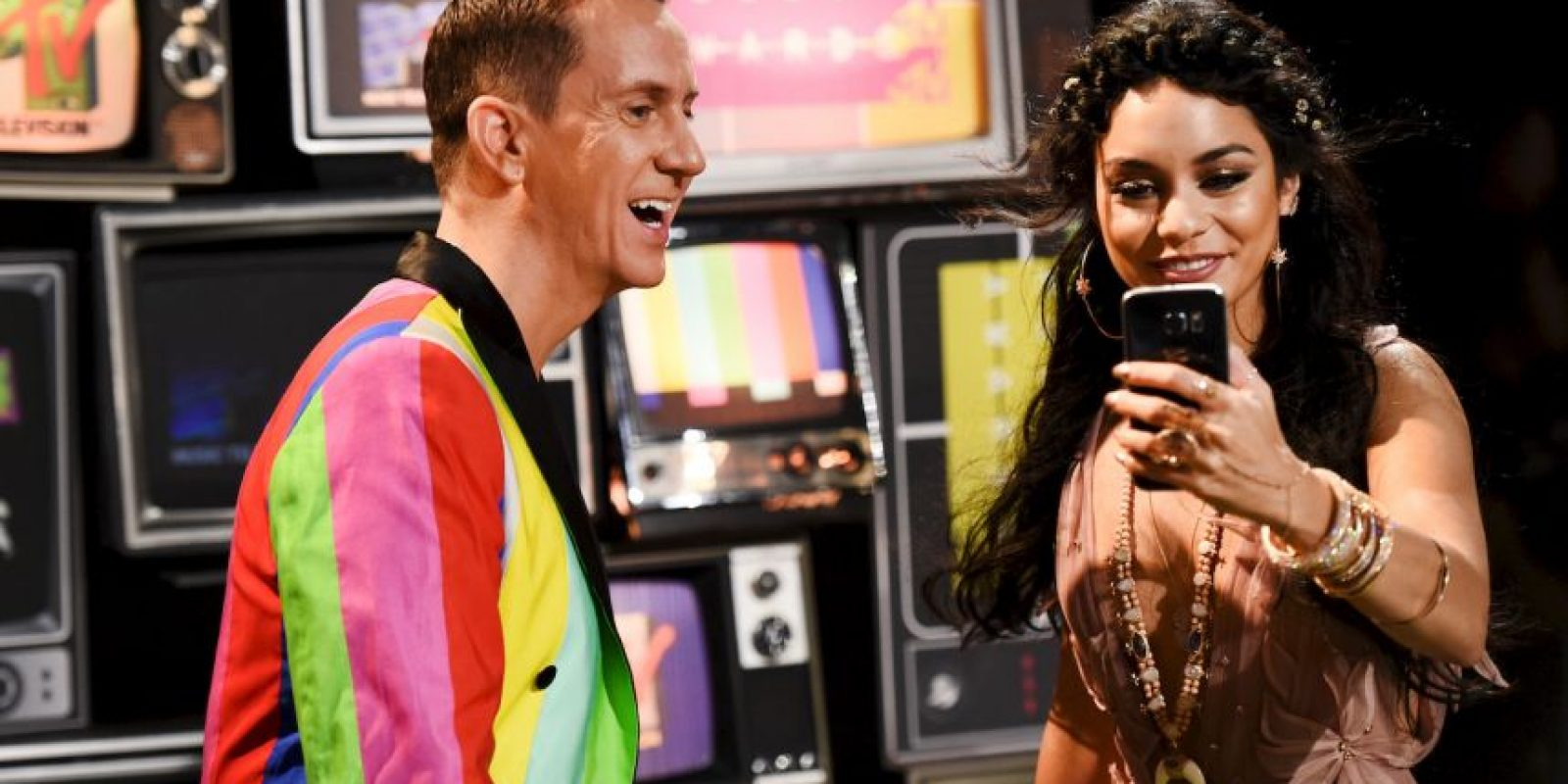 Jeremy Scott y Vanessa Hudgens Foto: Getty Images