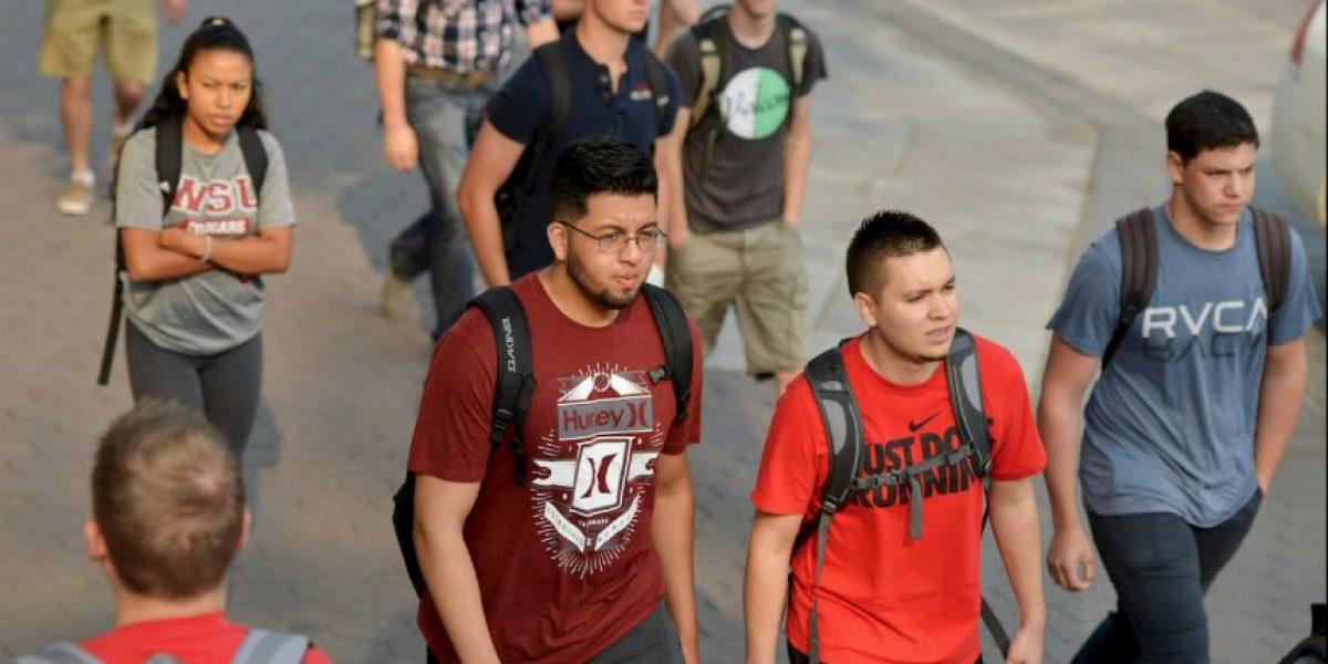 """Alumnos recibirán malas notas al usar la palabra """"ilegales"""" en Estados Unidos"""