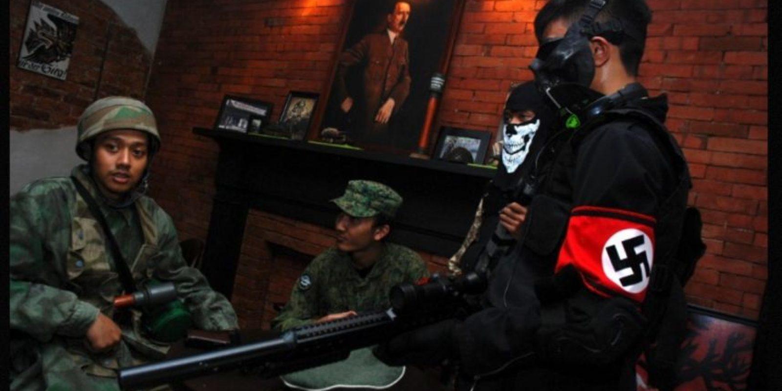 """El """"SoldatenKaffe"""", un café inspirado en los nazis, reabrió en 2015 sus puertas en Bandung, Indonesia, Foto:AFP"""