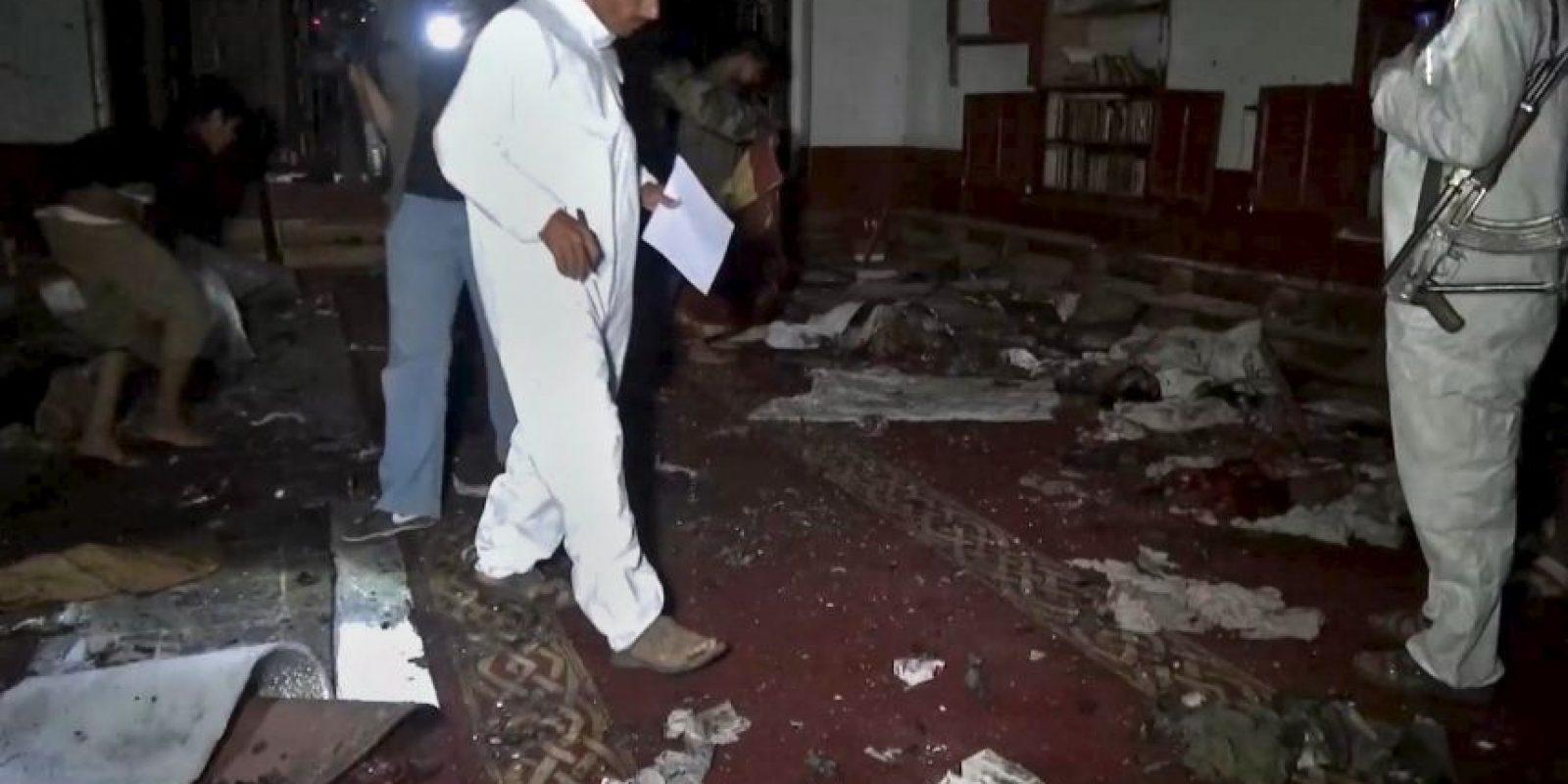 El atentado se realizó en una mezquita donde se llevaría acabo la oración de la tarde. Foto:AP