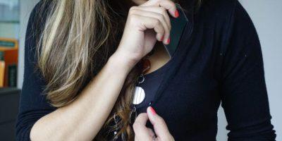Las mujeres acostumbran a llevar sus objetos de valor (celulares o dinero) en bolsillos secretos en su ropa interior. Foto: la acomode de tal forma que quede atravesada en el bolsillo