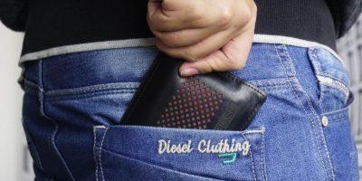 Acomode su billetera de tal forma que quede atravesada en el bolsillo. Le complicará las cosas a aquellos que quieran robarlo. Foto: la acomode de tal forma que quede atravesada en el bolsillo