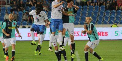 Juegan como locales en el Estadio Bazaly que tiene capacidad para 10 mil espectadores. Foto:Vía facebook.com/fcbanik.cz