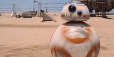 """El nuevo androide BB-8 fue nombrado así, en palabras de J.J. Abrams, porque """"es casi una onomatopeya, es cómo el me veía, con el 8, y obviamente las dos B"""" Foto:Lucasfilms"""
