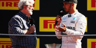 George Lucas entrevistando a Lewis Hamilton. Foto:Getty Images