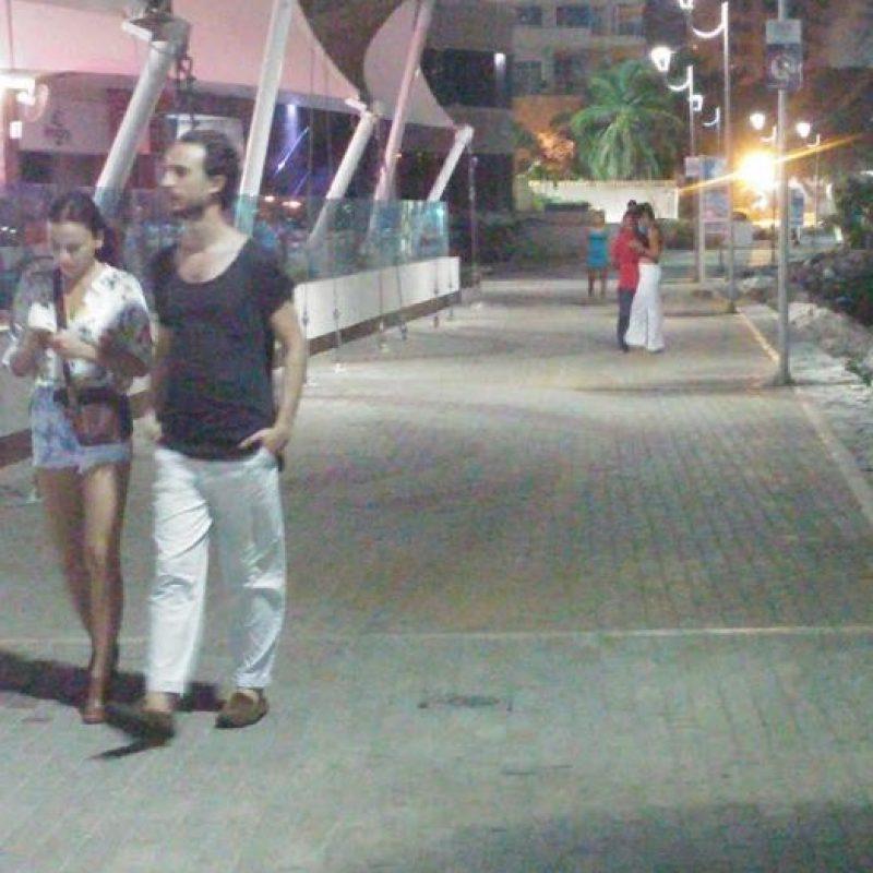 Caminando por la bahía de Santa Marta Foto:Publimetro