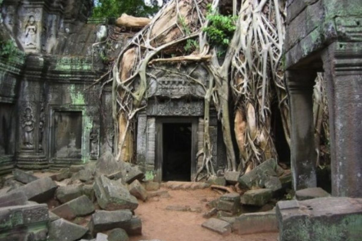 7. Ta Prohm es uno de los más de 140 templos del complejo de Angkor de Siem, localizado en Camboya. Foto:Duskyswondersite