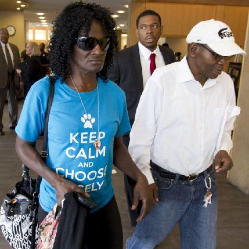 Gloria Darden, madre de la víctima, es quien posiblemente recibirá los 6.4 millones de dólares. Foto:Getty Images