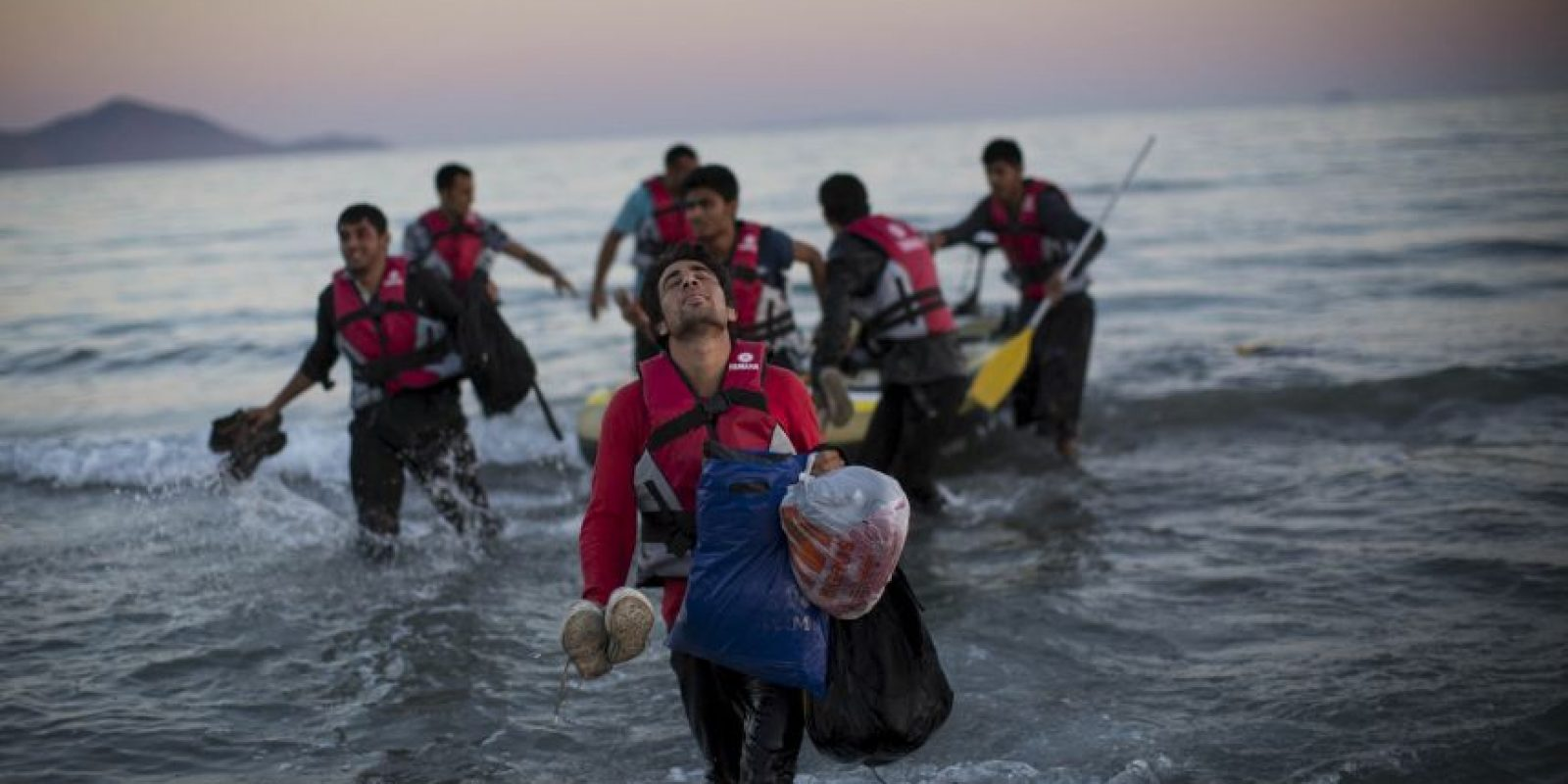 Además de que Europa debe proveer rutas legales y seguras a los refugiados que quieran llegar a los países de la Unión Europea. Foto:Getty Images