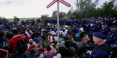 La Organización Internacional para las Migraciones ha estimado que este año 300 mil personas han llegado a Europa. Foto:AFP