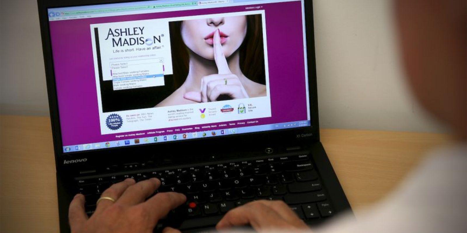 """El lema del sitio web especializado en contactar personas con pareja es: """"La vida es corta. Tenga una aventura"""". Foto:Getty Images"""