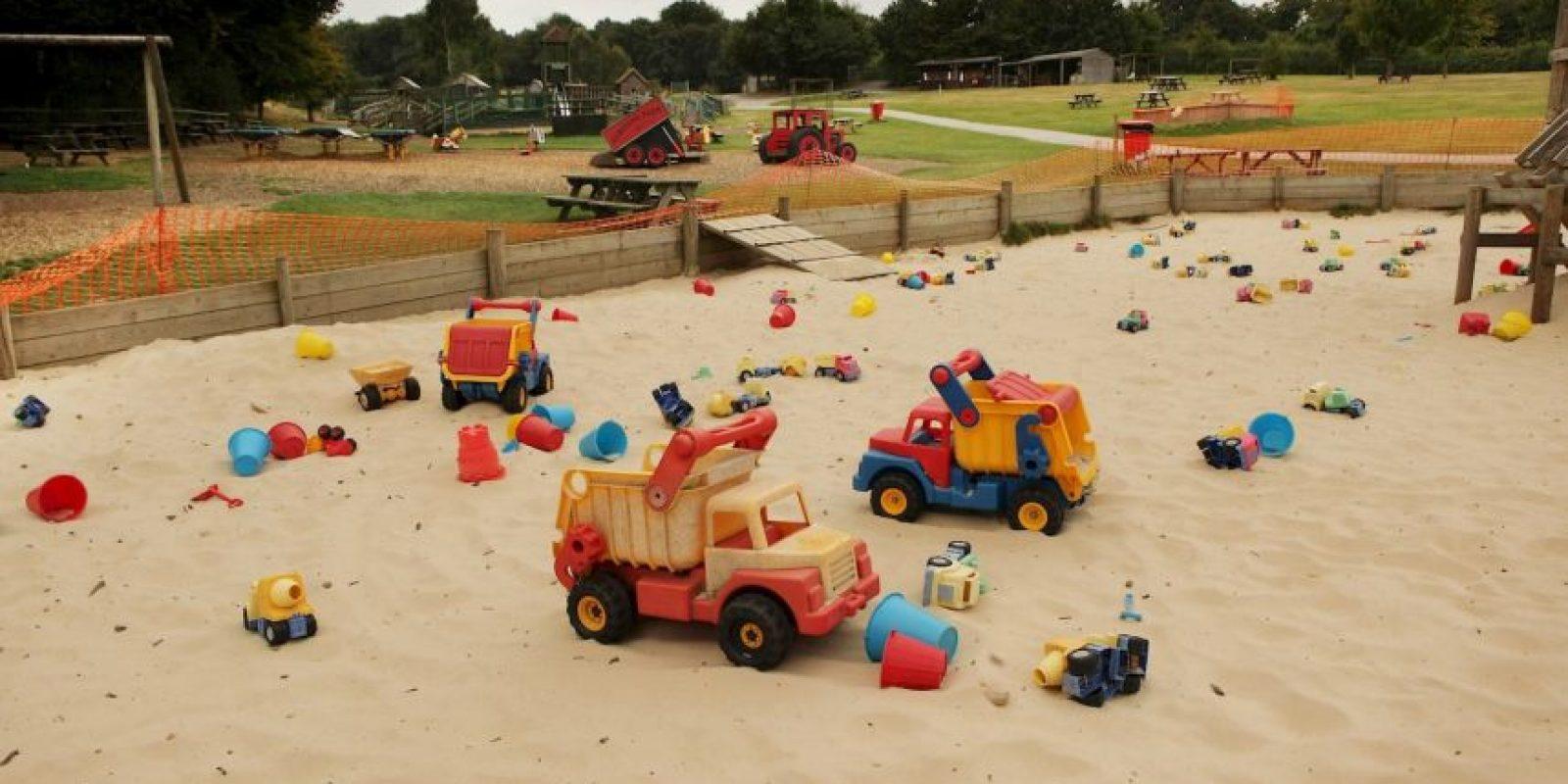 Los menores escaparon utilizando sus juguetes para arena Foto:Getty Images