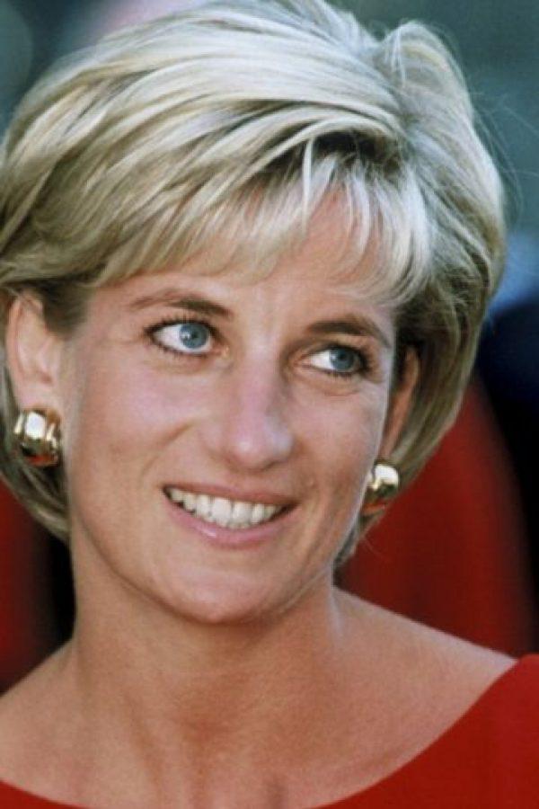 Diana de Gales supuestamente apareció en la boda de su hijo William con Kate Middleton. Foto:vía Getty Images