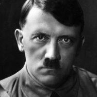 También se le oye gritar en Baviera, donde quedaba su antiguo refugio. Foto:vía Getty Images