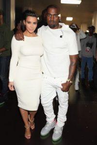 En marzo, antes de quedar embarazada, Kim confesó que ella y su esposo pasaban mucho tiempo en la cama. Foto:Getty Images