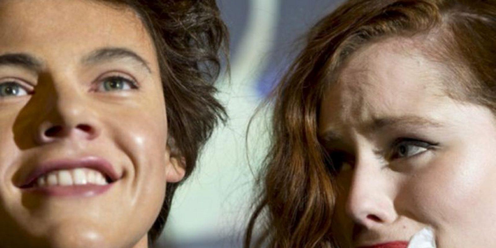 Muchas lloran solo con tener una figura de cera de Harry Styles cerca. Foto:vía Facebook