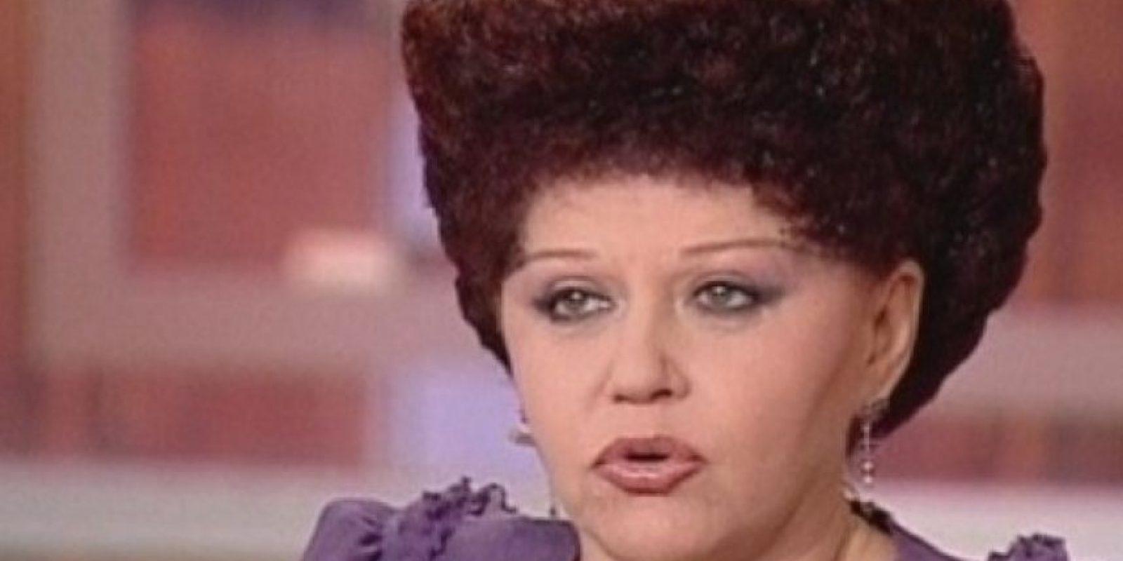 13. Esta señora se hizo viral en redes por su corte de cabello. Foto:Vía Youtube