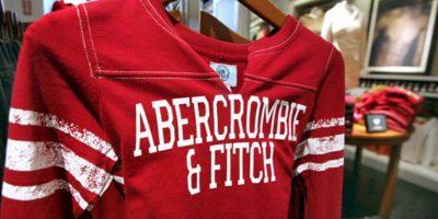 La marca Abercrombie & Fitch lo fue todo para los universitarios de la década de 2000. Hoy ya no tiene el esplendor de antes y es más accesible (y ampliamente falsificada). Foto:vía AFP