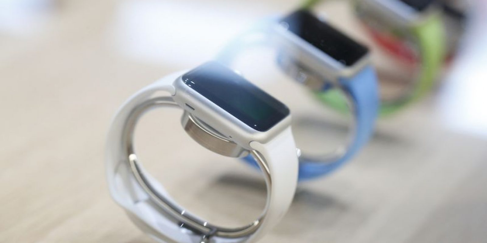 Todos quieren un Apple Watch y este hombre así lo expresaba. Foto:Getty Images