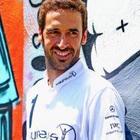 """El capitán de los """"galácticos"""" dejó el equipo merengue en 2010 y pasó por el Schalke 04 de la Bundesliga y el Al-Sadd de Catar. Para sorpresa de muchos, no se ha retirado y ahora milita en el New York Cosmos de Estados Unidos. Foto:Getty Images"""