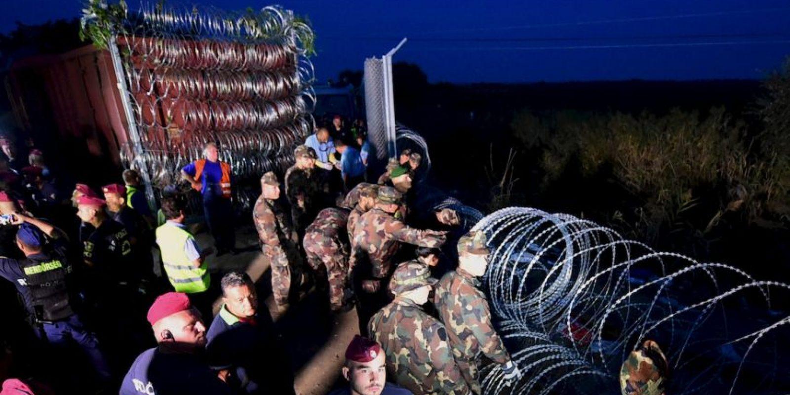 Verja en frontera en la frontera de Hungría y Serbia. Foto:AFP