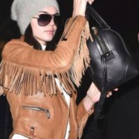 Kendall Jenner la usa. Y está de moda, por las dudas. Foto:vía Getty Images