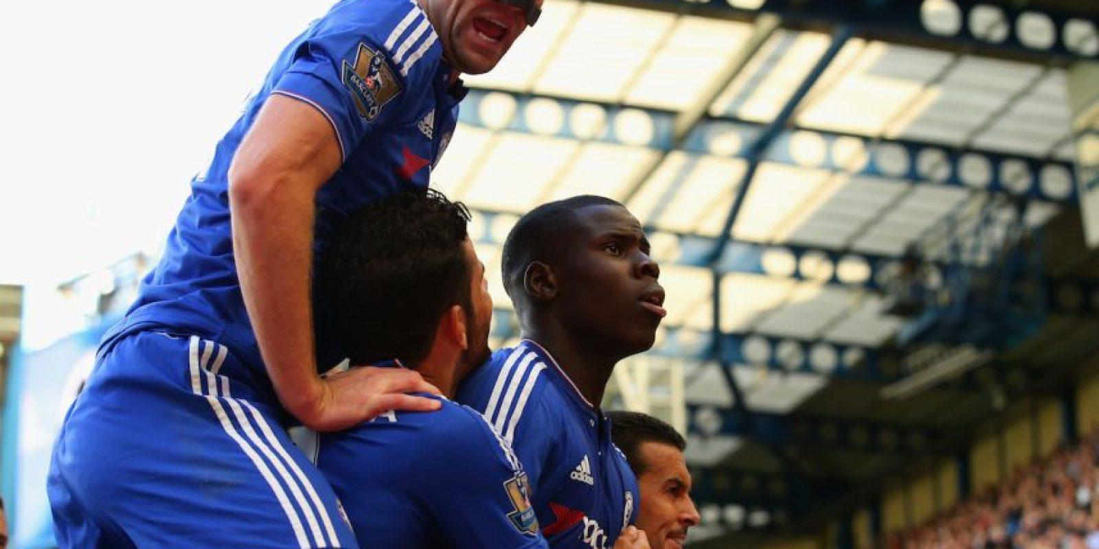 Kurt Zouma marcó el 1-0 sobre Arsenal, y a pocos minutos del final, Eden Hazard se encargó del 2-0 definitivo. Foto:Getty Images