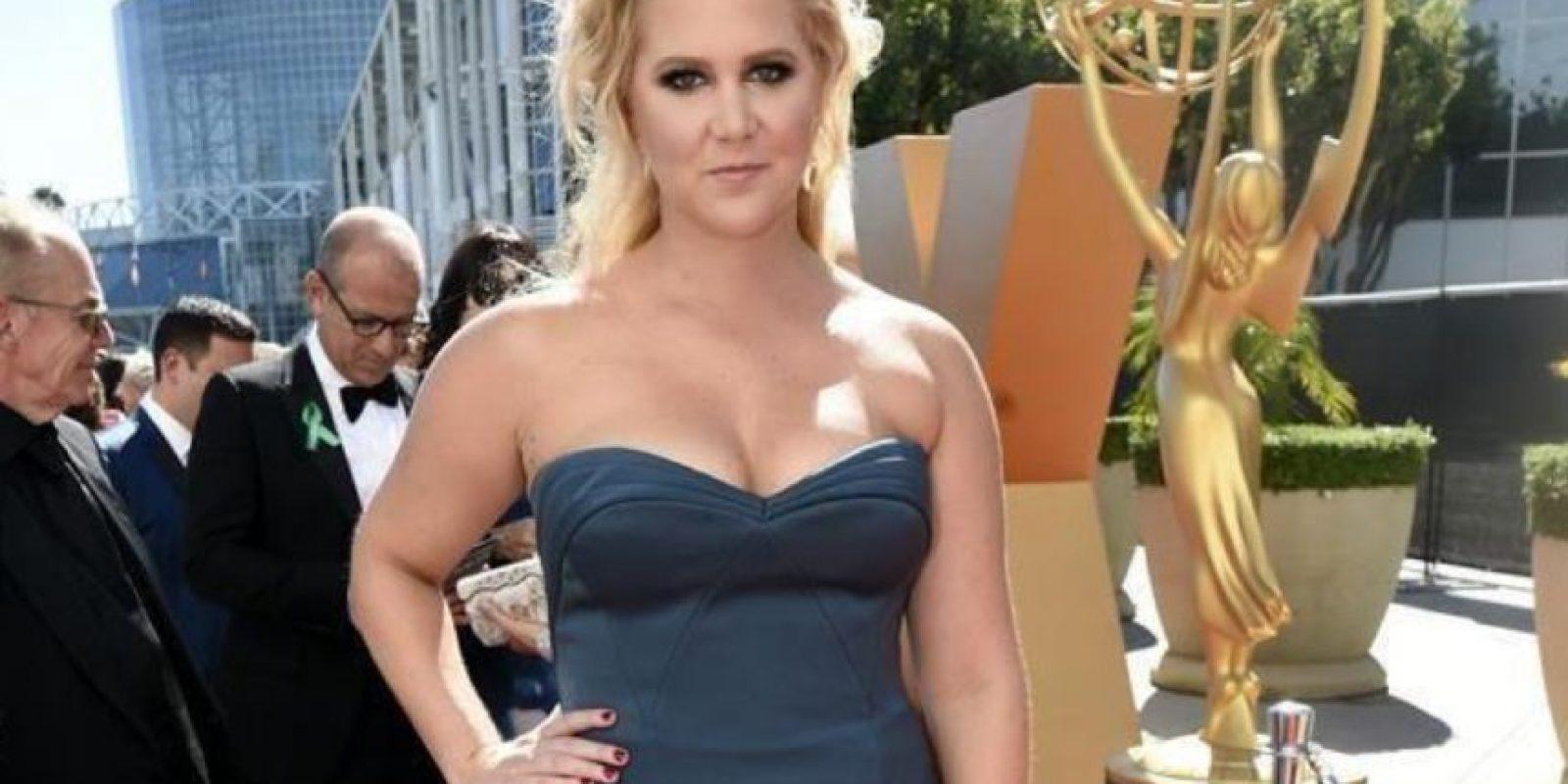 Parece que le hubiesen prestado ese vestido. Foto:vía Twitter
