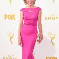 Christine Baranski, de fucsia e impecable. Foto: vía Getty Images