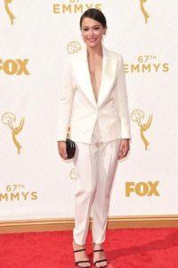 A Tatiana Maslany le faltó ajustar mejor esta exquisitez. Foto:vía Getty Images