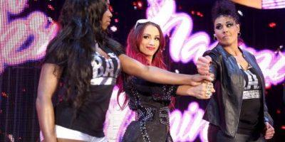 "Forma parte del ""Team B.AD. (Beutiful and Dangerous), junto a Naomi y Tamina Foto:WWE"