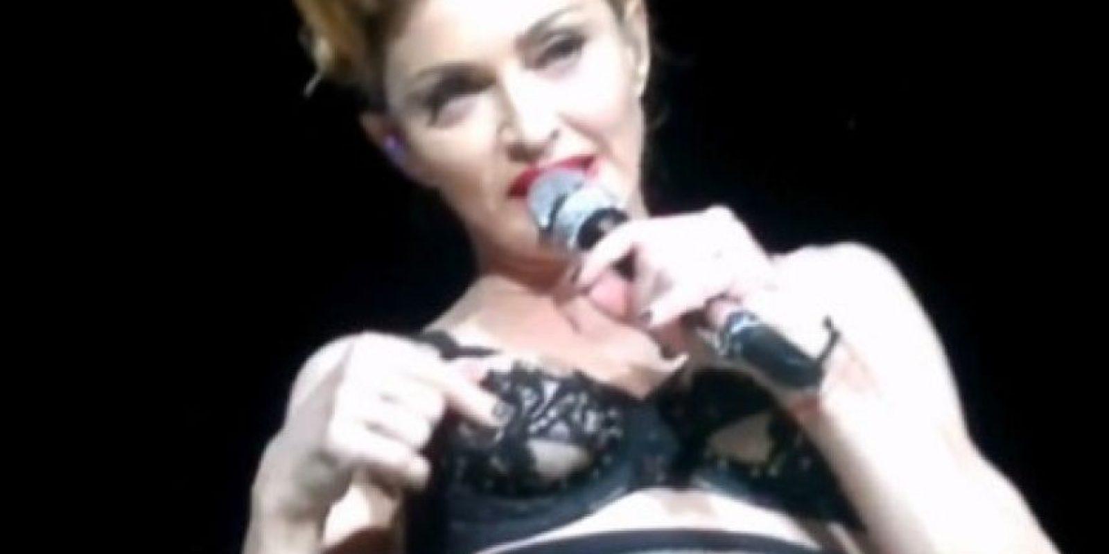 2. Madonna mostró su pezón durante un concierto en Estambul, Turquía en 2014 Foto:Pinterest