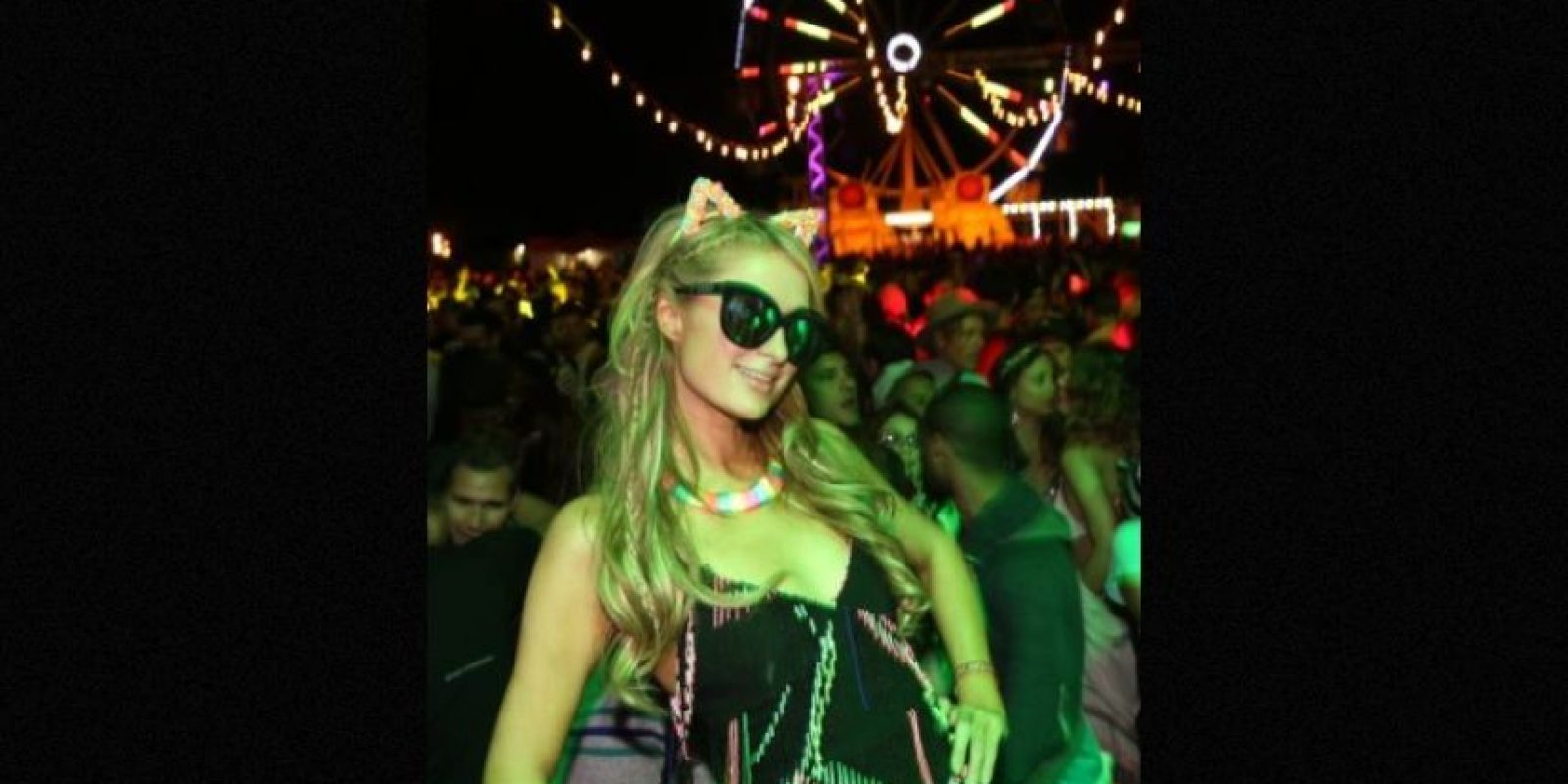 Paris Hilton ha sido captada fumando cigarrillos armados. Incluso, fue fotografiada con una bolsa de hierba en su cartera Foto:Getty Images