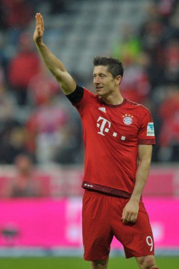El polaco anotó cinco goles en nueve minutos Foto:Getty Images