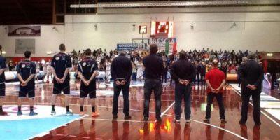 El basquetbolista que se desplomó en pleno partido tiene 21 años Foto:Vía assigecobasket.it