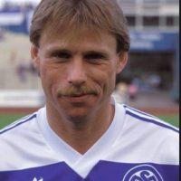 Michael Tönnies. Era el último jugador que había marcado cinco goles en la Bundesliga, en 1991 con el Duisburg Foto:Getty Images