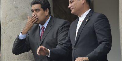 """""""Fenómenos como el crimen organizado, el contrabando de extracción y la fuga de productos de primera necesidad son problemas trasladados al país a través de la práctica paramilitar instaurada en Colombia desde hace varias décadas y que ha causado graves daños en la frontera colombo – venezolana"""", dijo Maduro en ese momento. Foto:AFP"""