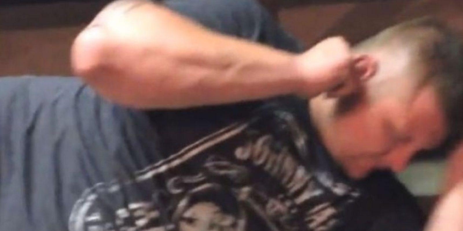 Michael Gorman, un hombre de Missouri experimentó la incómoda sensación de alojar una polilla en su oreja. Foto:Youtube