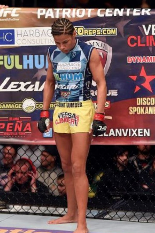 """La peleadora estadounidense defendió a Celeste. """"Se pasó de la línea. A ella no debería importarle lo que cobre o no Arianny"""". Foto:Vía twitter.com"""