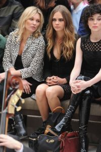 Cara y Kate también se reunieron en la Semana de la Moda de Kensington. Foto:Getty Images