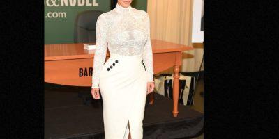 La falda que amplifica sus caderas. Foto:vía Getty Images