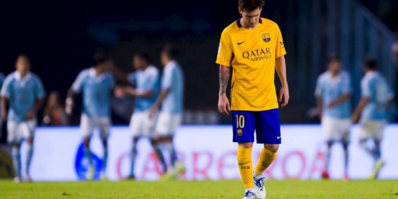 Las cosas no van bien cuando saltan a la cancha con la camiseta amarilla Foto:Getty Images