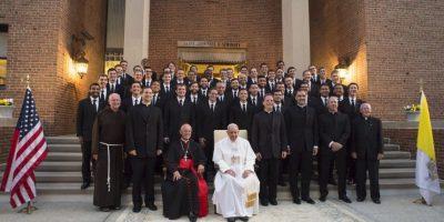 Y con integrantes de la comunidad católica estadounidense Foto:AP