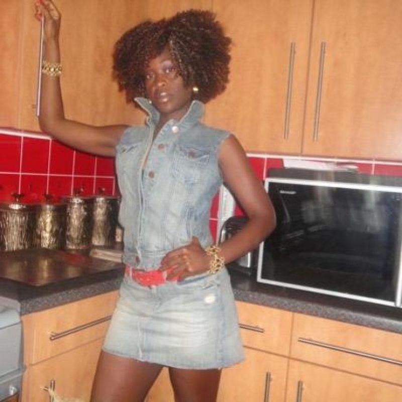 """Sandra Ntonya, una prostituta inglesa reveló en junio que Yaya Touré, del Manchester City, había sido uno de sus mejores clientes. La mujer aseguró que el futbolista era """"muy educado, y le pagaba más de lo acordado"""". Foto:Vía twitter.com/ebonyflora"""