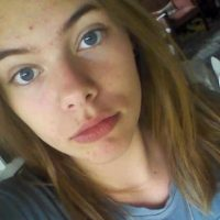 Desde los ojos hasta la barbilla, Cecilie comparte ciertos rasgos faciales con Styles. Foto:vía twitter.com/NinaSkovJensen1