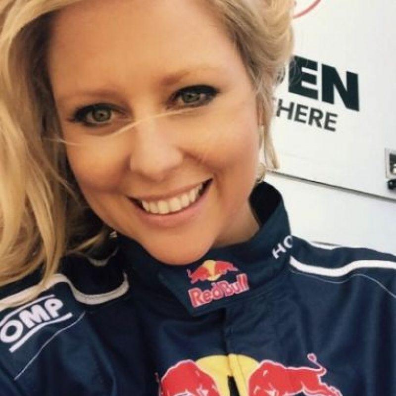 Tiene 35 años, es una reconocida presentadora australiana y está casada. Foto:vía instagram.com/charli_robinson