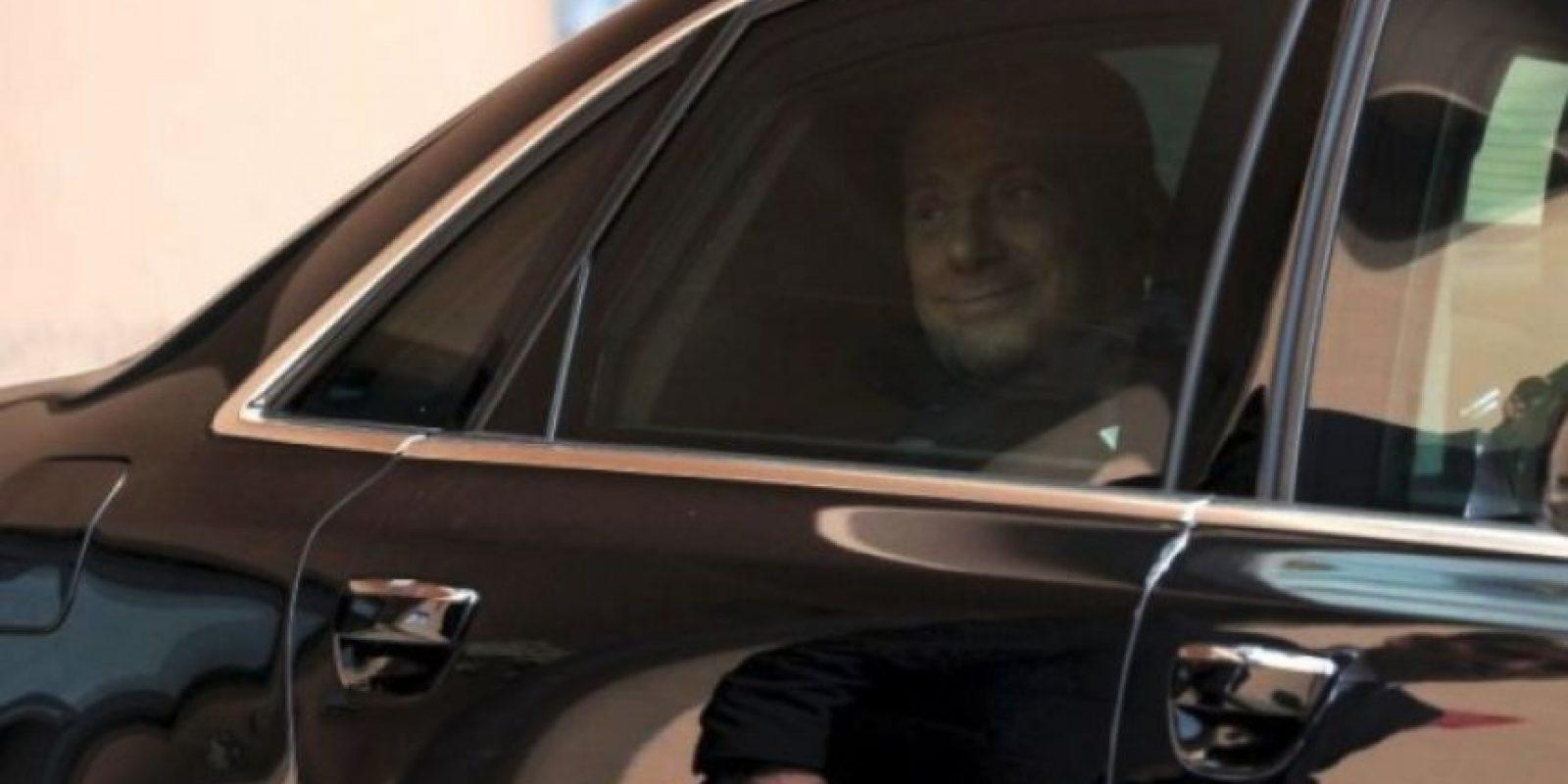 En 2009, el ahora ex presidente del Consejo de Ministros de Italia, se vio envuelto en la polémica cuando medios internacionales publicaron fotos de su fiesta de cumpleaños en la que aparece junto a una joven de 18 años. Foto:Getty Images